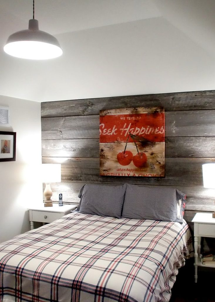 Farmhouse-style-bedroom-wood-feature-wall
