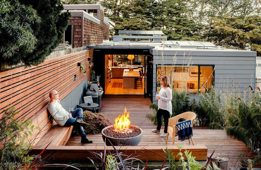 Modern Backyard Ideas With Outdoor Fireplace Or Fire Pit Colour
