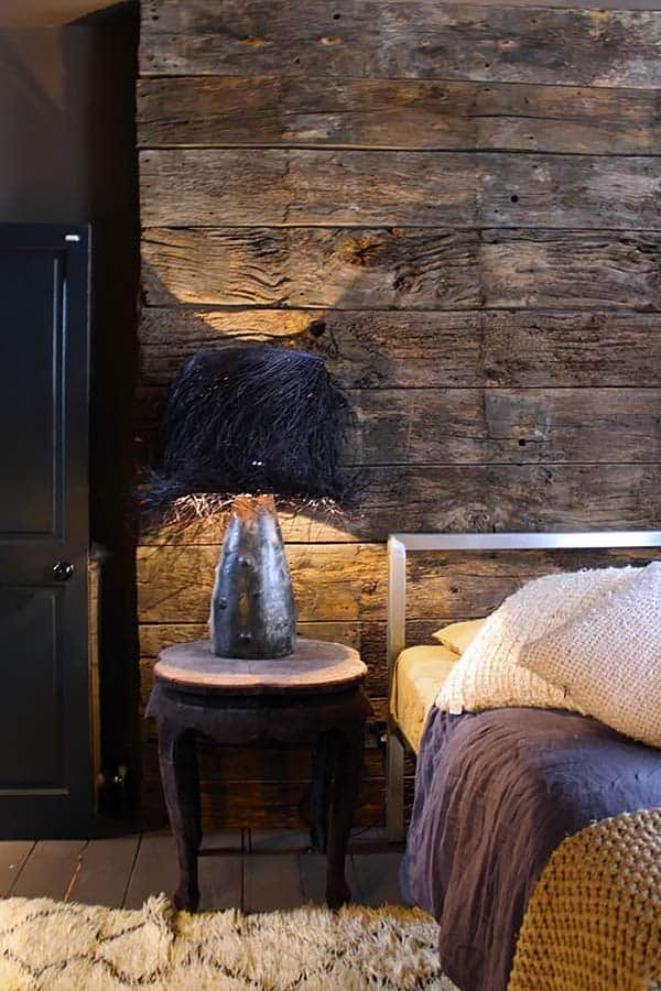 Reclaimed Old Wood Blocks makes this Bedroom Feature Walls. Grains, texture and colour variation stands out even more with light.