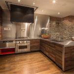 Kitchen-Wall-Covering-Ideas-With-Steel-Kitchen-Set